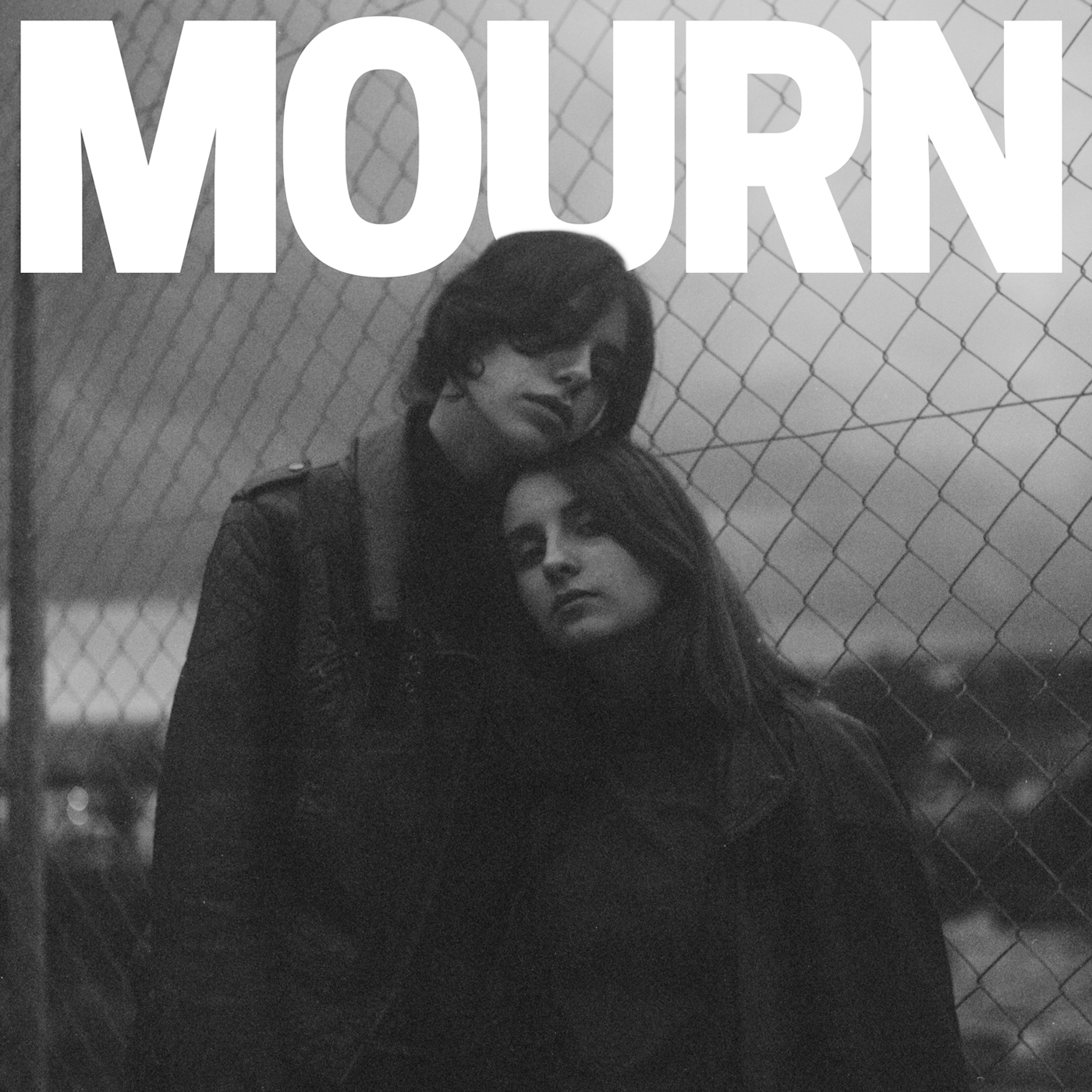 Coveret til Mourns debut-album med titlen 'Mourn'.